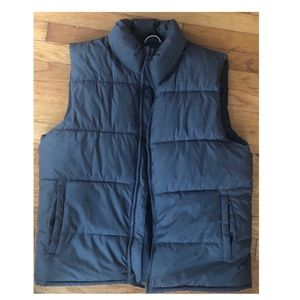 Men's Old Navy puffer vest size M